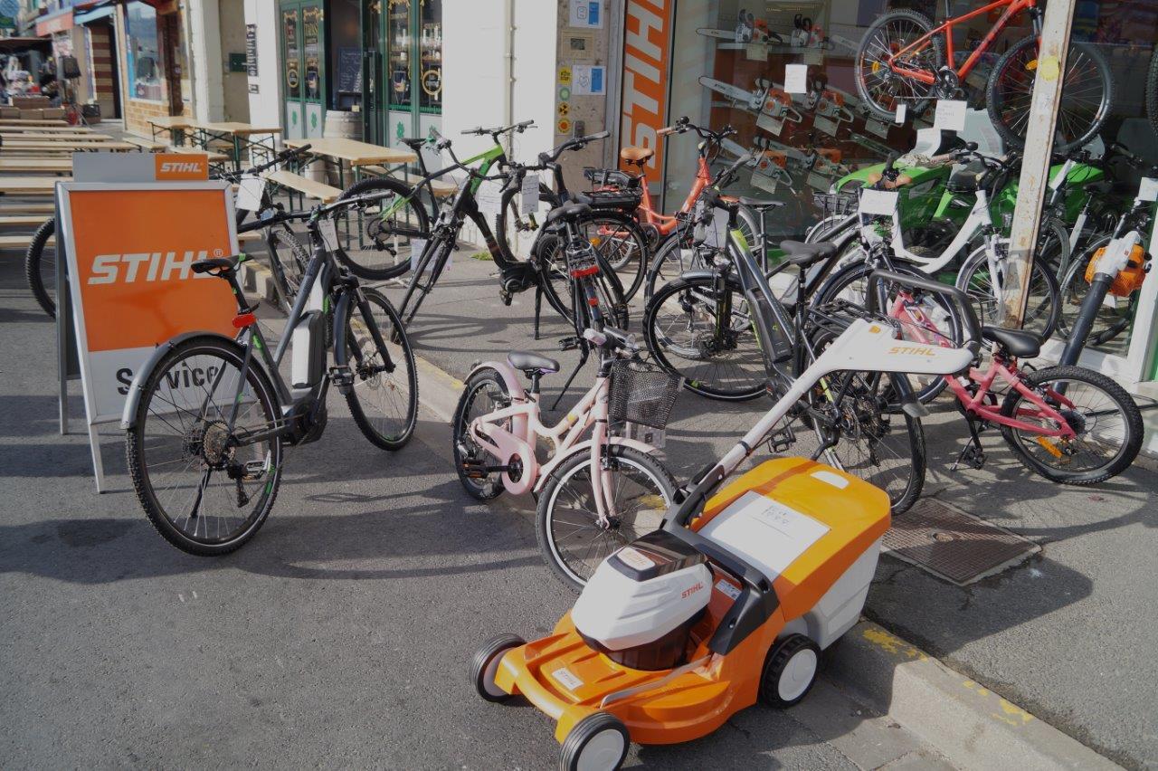 vélos, notamment électriques...