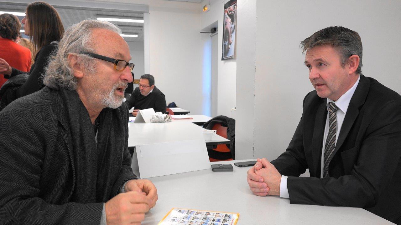 De gauche à droite : Condé Village d'Art et Jérôme Gaudeaux du Crédit Agricole.