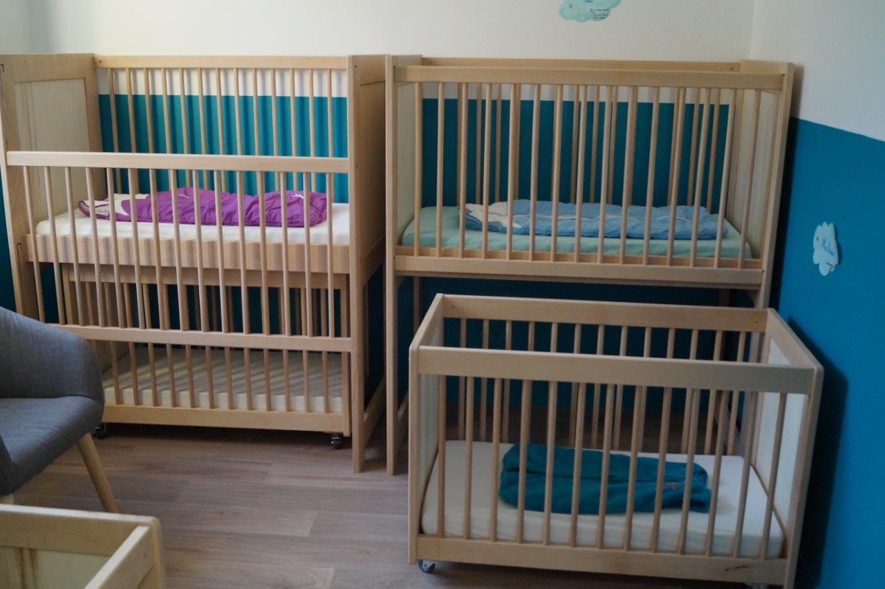 Ici, le dortoir des bébés.