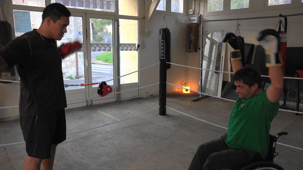 Echauffement des muscles et articulations qui vont travailler dur.