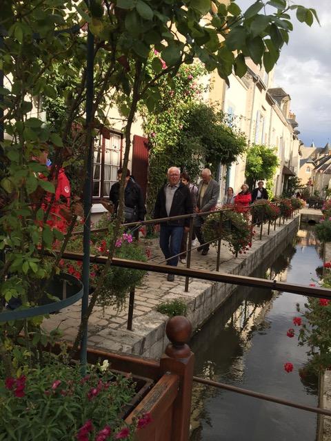 Le ru de Beaugency traverse la ville avant de se jeter dans la Loire.