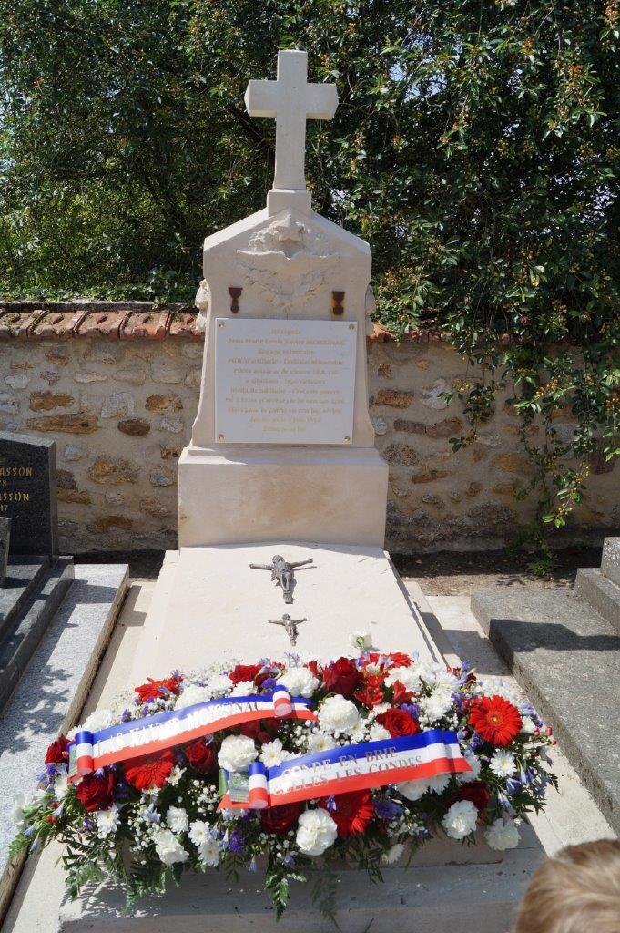 La restauration de la tombe de l'aviateur Xavier Moissinac est une belle réussite.