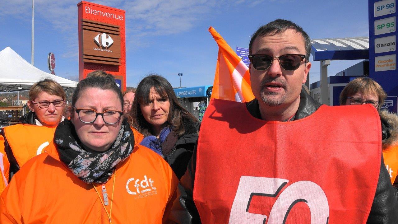 De gauche à droite : Stéhanie Hire, déléguée CFDT Carrefour Château-Thierry et Frédéric Rimlinger, militant FO.
