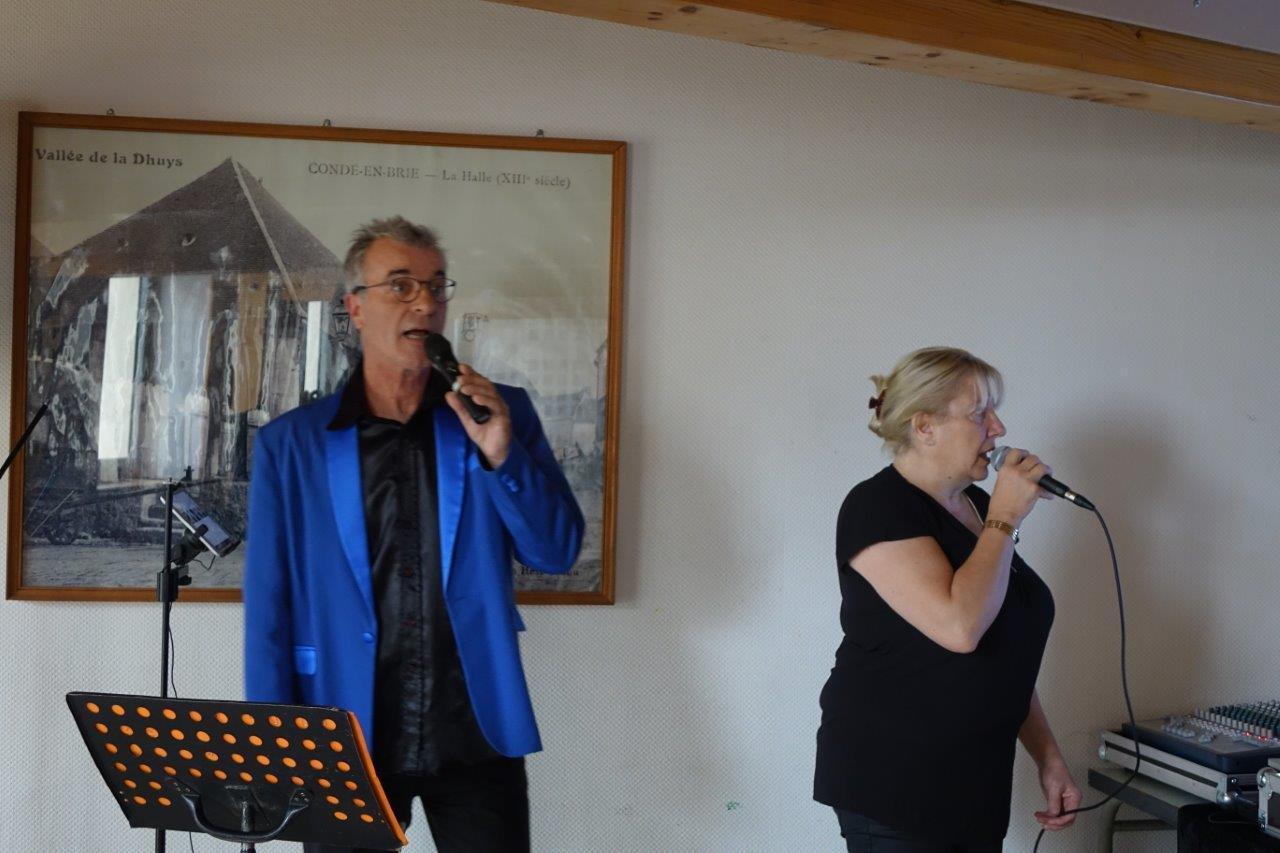 De gauche à droite : Laurent Monel et Françoise Danger ont servi un Café Musical de haute facture.