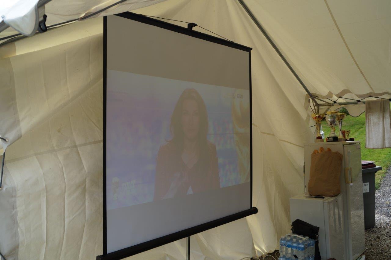 A entendre la journaliste Anne-Claire Coudray, le réseau 3G est encore bien présent quelques minutes avant le direct...