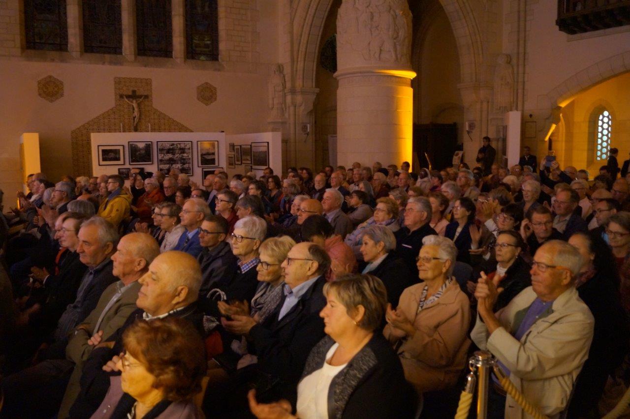 Quelques 250 personnes ont investi la chapelle pour assister au concert.
