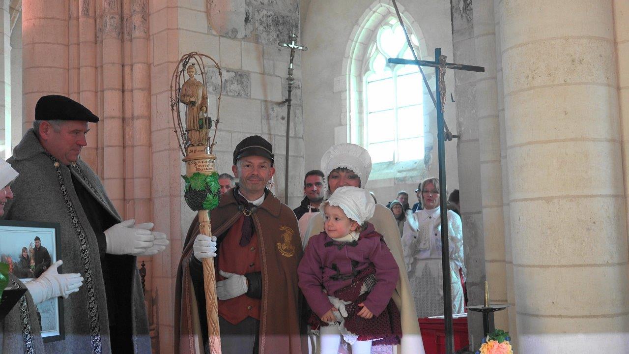 Le passage d'un bâton est un temps fort. Franck et Anna Météyer veilleront sur le bâton de Trélou-sur-Marne tout au long de l'année 2017.