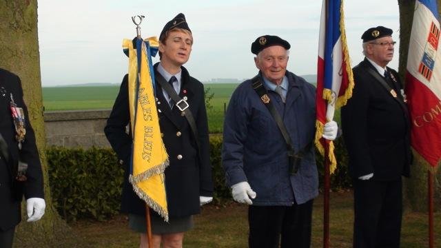 Au centre : Bruno Romano, porte-drapeau au sein de l'association des Anciens Combattants de Condé-en-Brie.