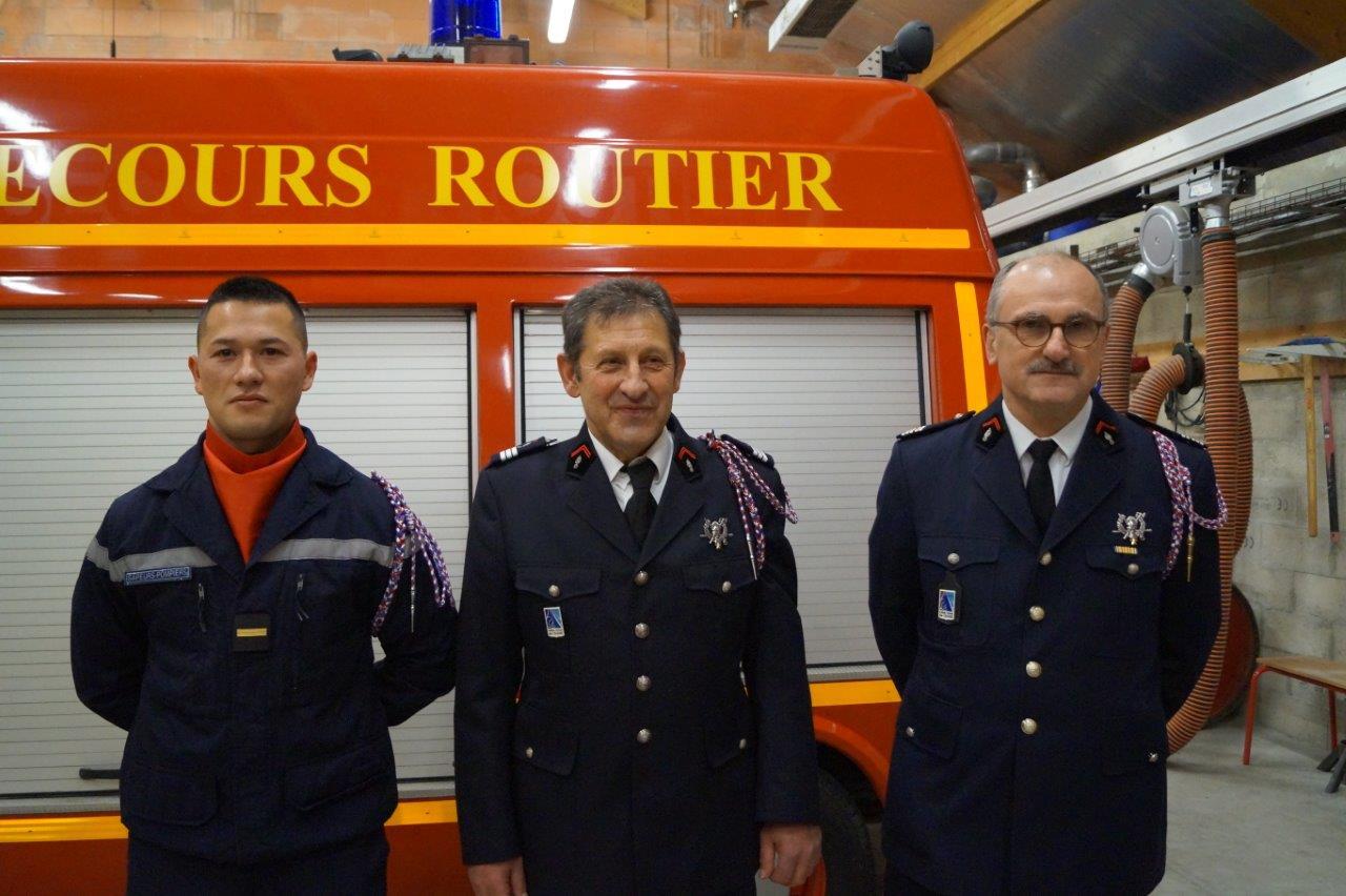 De gauche à droite : l'adjudant Steeven Low, futur chef de centre, le capitaine Vincent Couvent et le lieutenant-colonel Philippe Gérard.