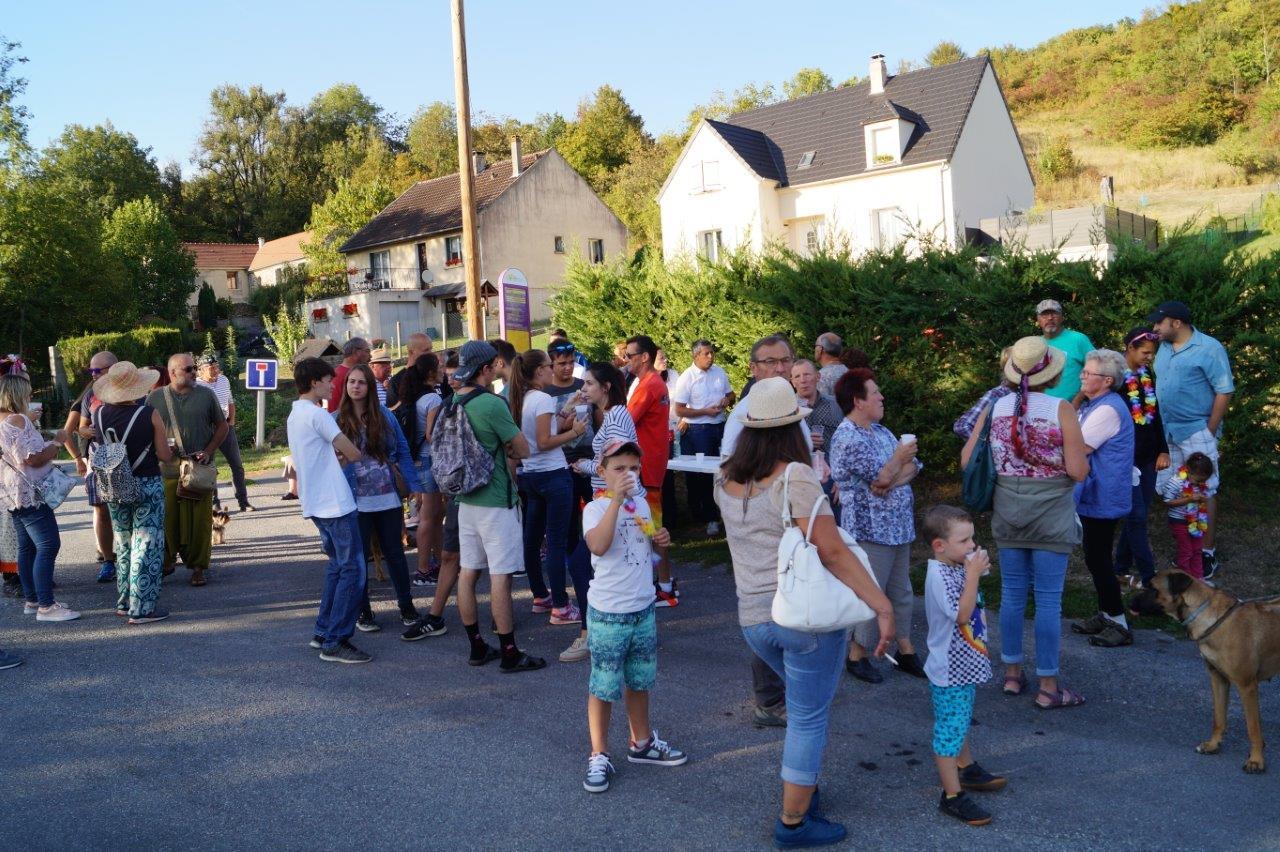 """Verdillois et acépéviens se retrouvent autour du premier arrêt """"buvette""""..."""
