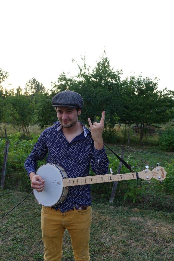 Le valcampanien Rafi Stolé assure les interplateaux de ce dernier rendez-vous musical...