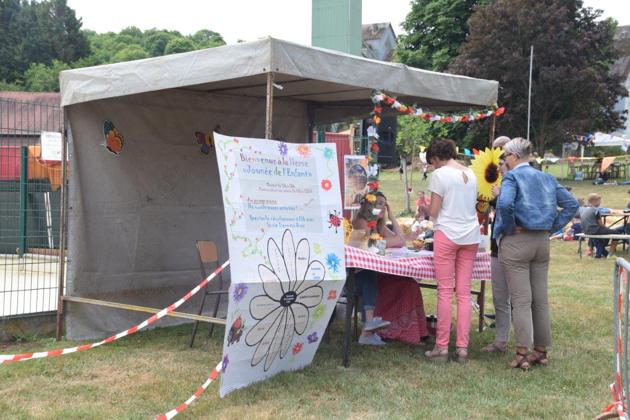 Le parc de la mairie de Condé-en-Brie a accueilli une nouvelle fois la Journée de l'enfant.