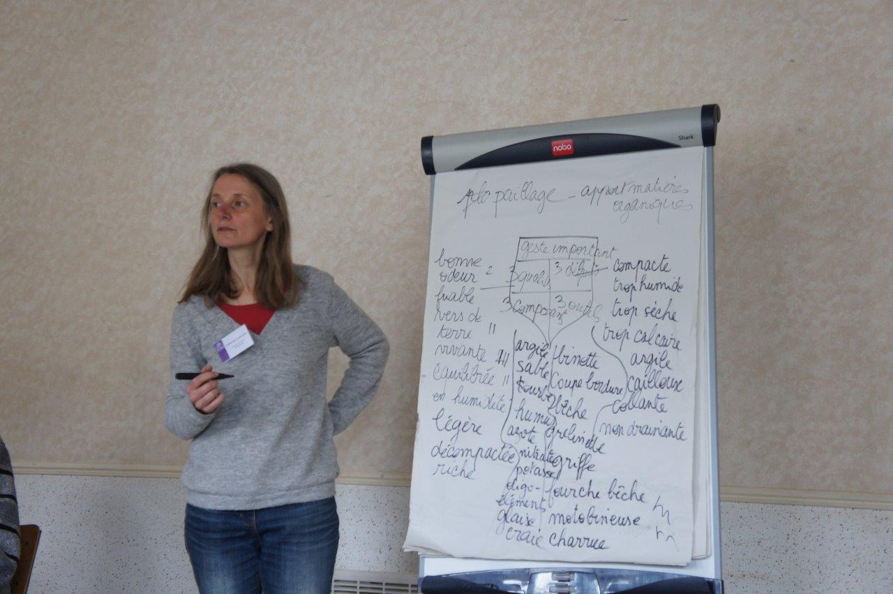 Au paperboard : Catherine Lawnizack de l'association Picardie Nature.