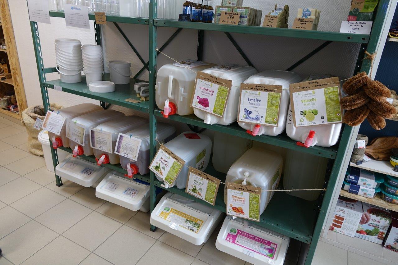 Vous pouvez faire le plein de produits ménagers écologiques.