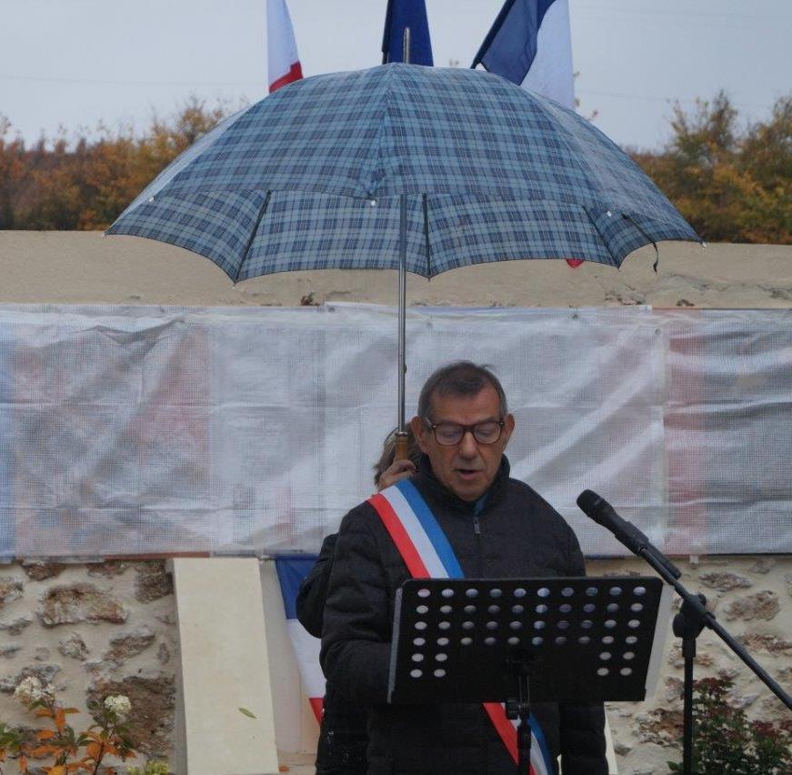 Les discours de Bruno Lahouati, maire de Vallées-en-Champagne...
