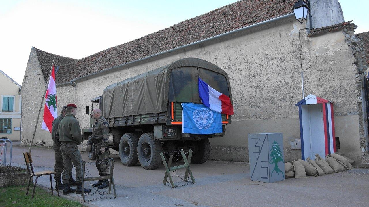 Un check point de la FINUL est reconstitué par l'association Véhicules Militaires.com.