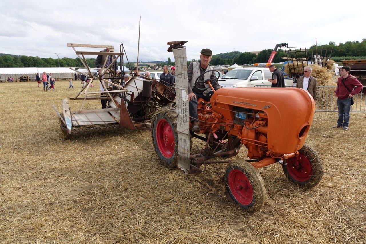 Matériel agricole ancien et moderne sont à la fête...