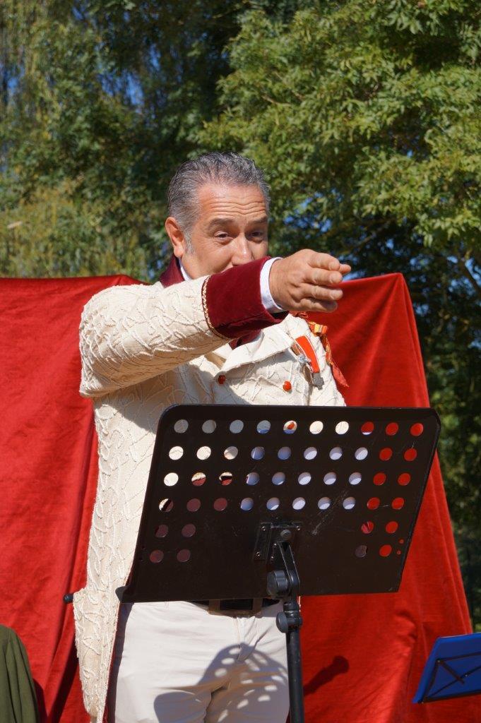 Le préfet Rastagnac présente tous les bienfaits de la captation des eaux du Surmelin aux habitants de la vallée.