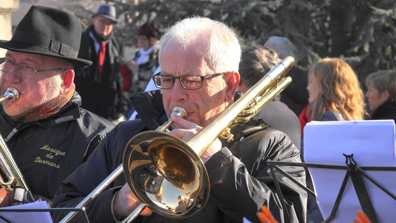 Le roi des cuivres ! Au trombone, Claude Picart, maire délégué de Saint-Agnan, commune nouvelle de Vallées-en-Champagne.