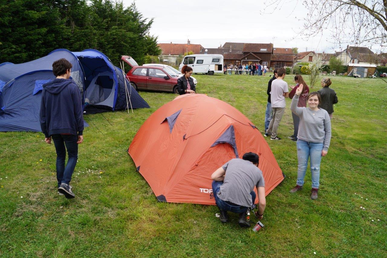 Les d'jeun's de l'ACPV préfèrent la tente.