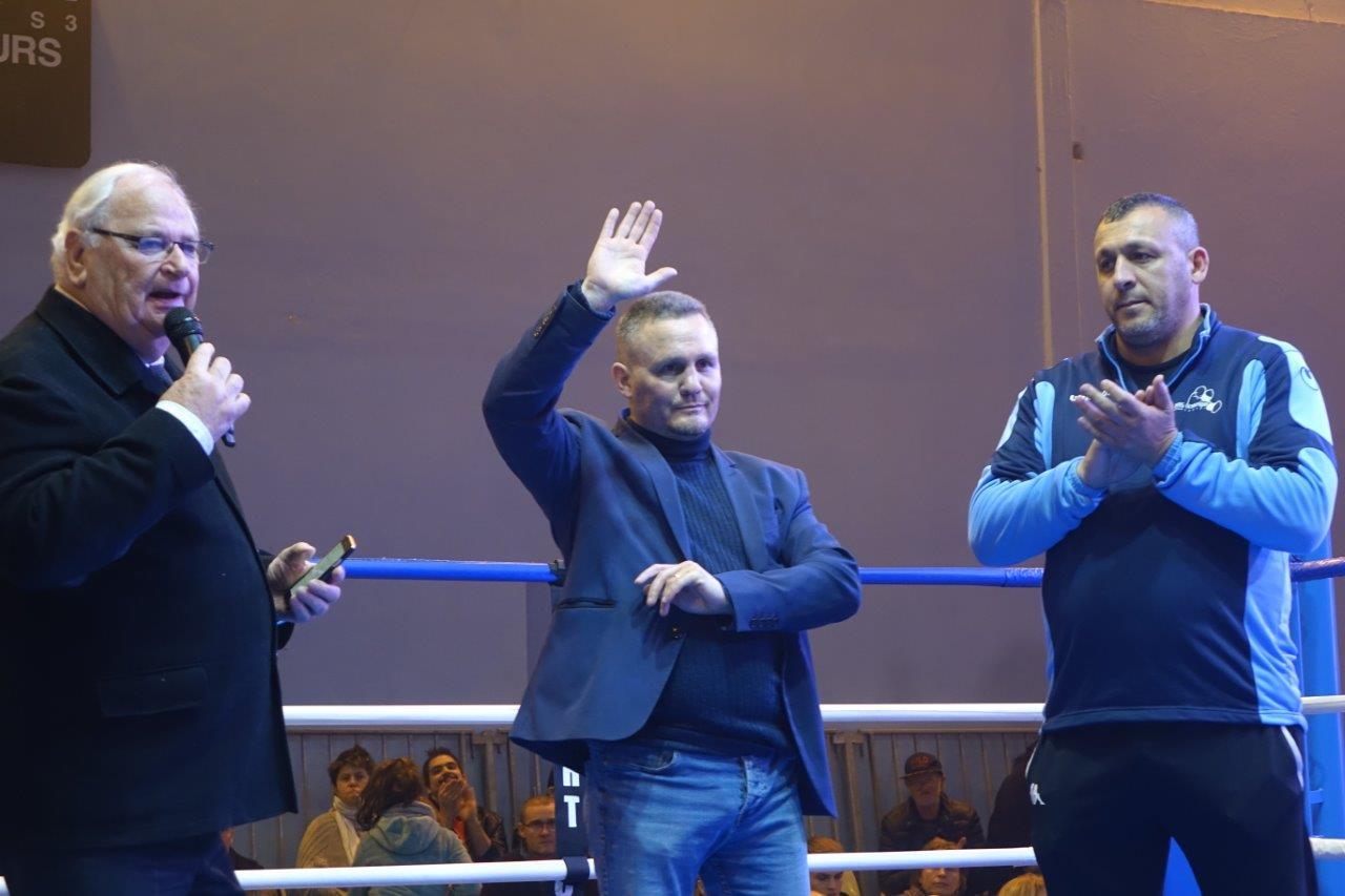 """Le Ring Olympique Castel accueille Julien """"Bobo"""" Lorcy, champion du monde WBA 1999 dans la catégorie des poids légers..."""