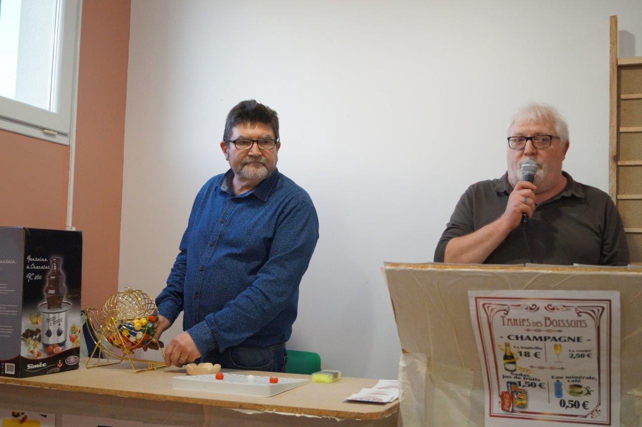 De gauche à droite : Didier Simon et Thierry Duparcq sont aux manettes de ce premier loto.