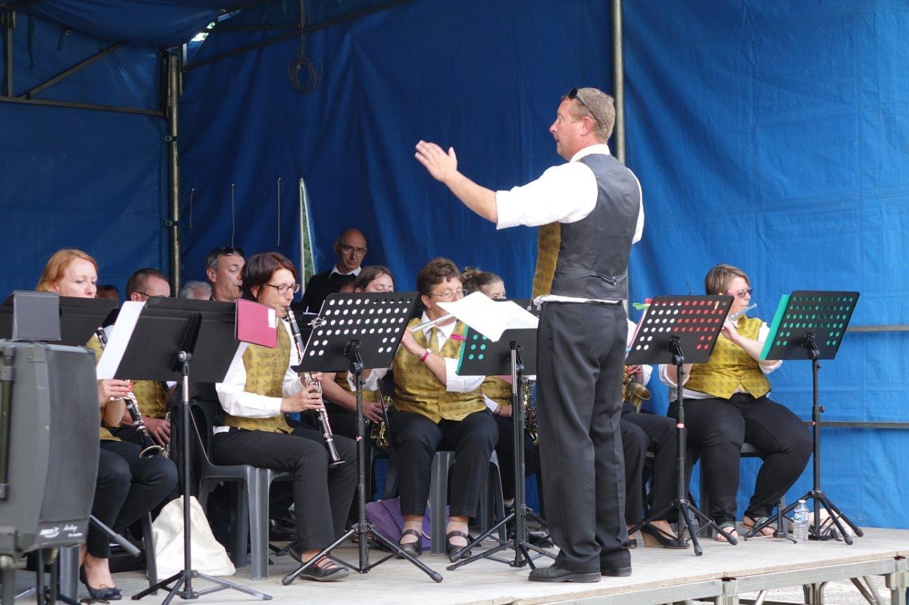 La Musique municipale de Dormans, sous la baguette de Grégory Veignie, offre, comme à l'habitude, un concert apprécié du public...