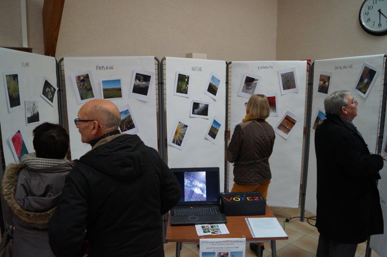Une exposition photos était située dans la salle Serge Coyard : celle d'un groupe de chasseurs d'images...