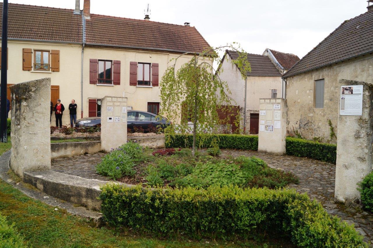 Le Mur de mémoire vivante de Baulne-en-Brie a été inauguré en 2011.