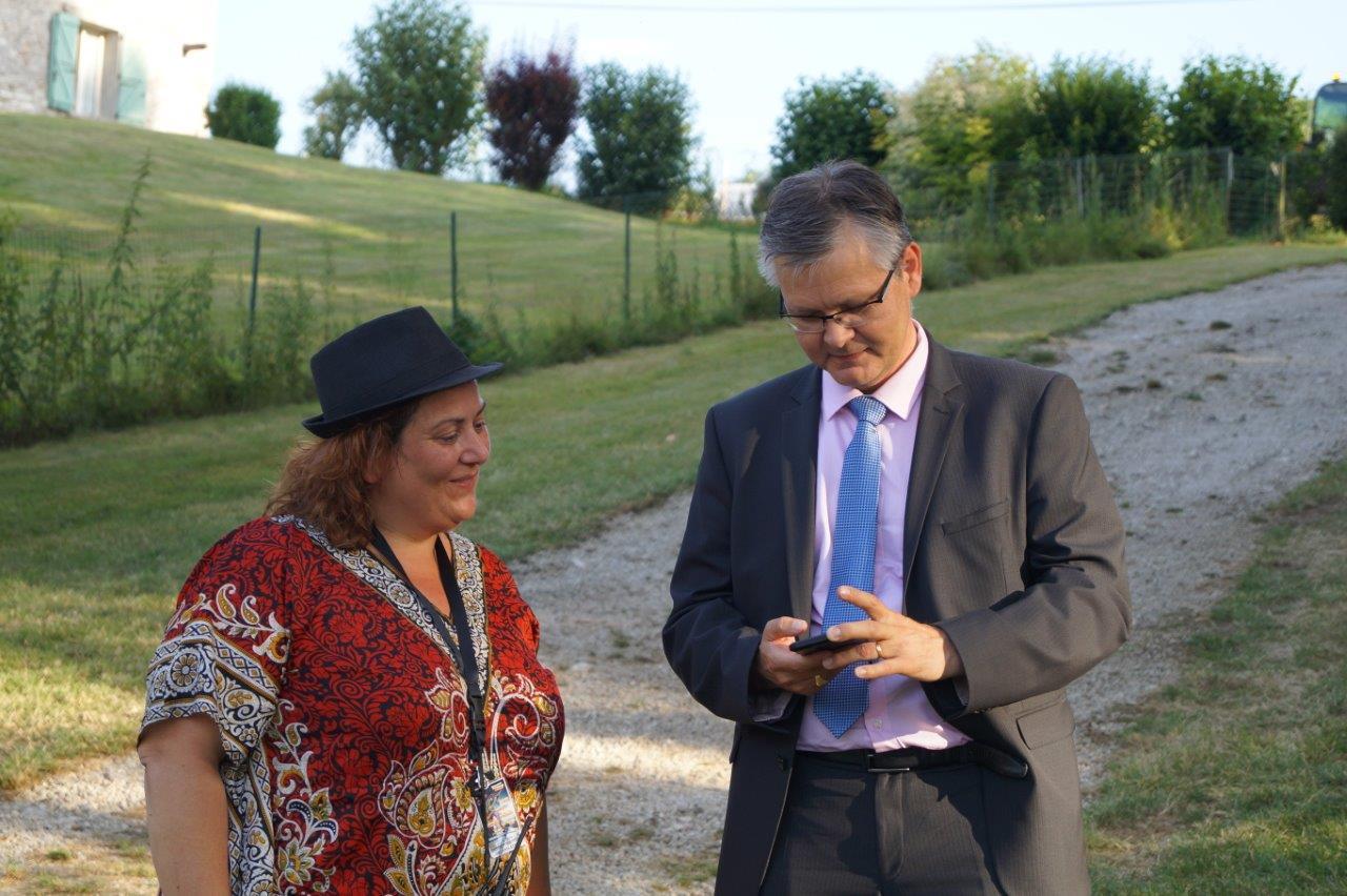 """""""J'ai Deezer Premium !"""" Ronan Léaustic ne cherche pas Vallées-en Champagne sur son iPhone, mais... le groupe toulousain Ruby Cube."""
