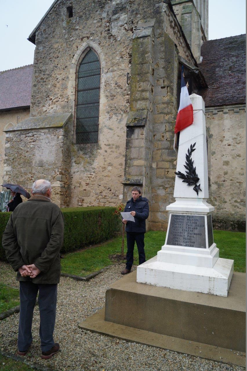 ...et Jean-Yves Roulot, adjoint au sein de l'équipe municipale de la commune nouvelle Vallées-en-Champagne.