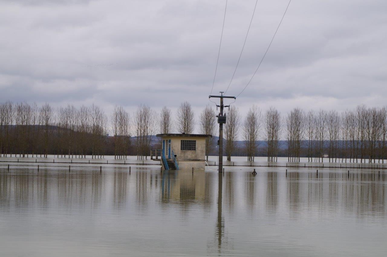 La station de pompage alimentant notamment la commune de Dormans en eau potable a bu la tasse.