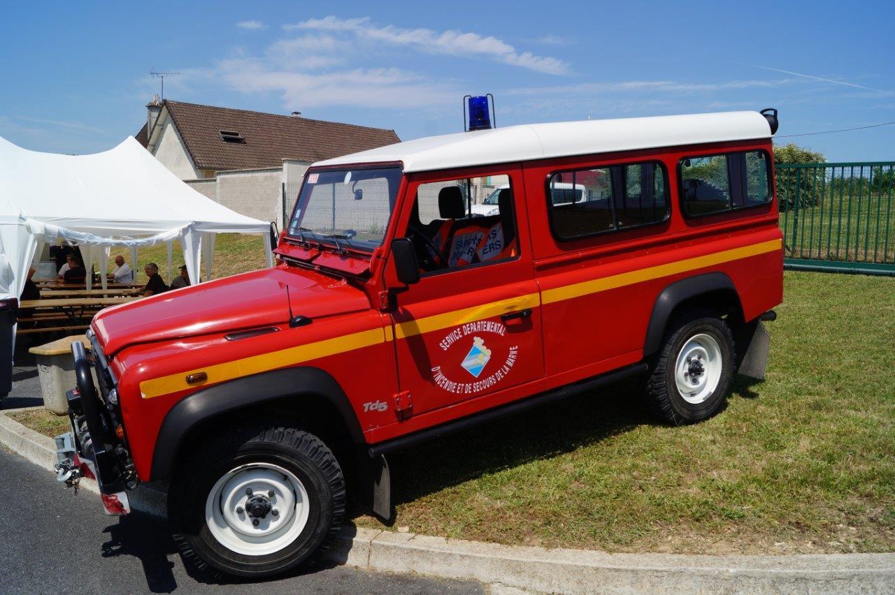 Le véhicule de liaison hors route est destiné au commandement pour accompagner les véhicules d'intervention hors chemin.