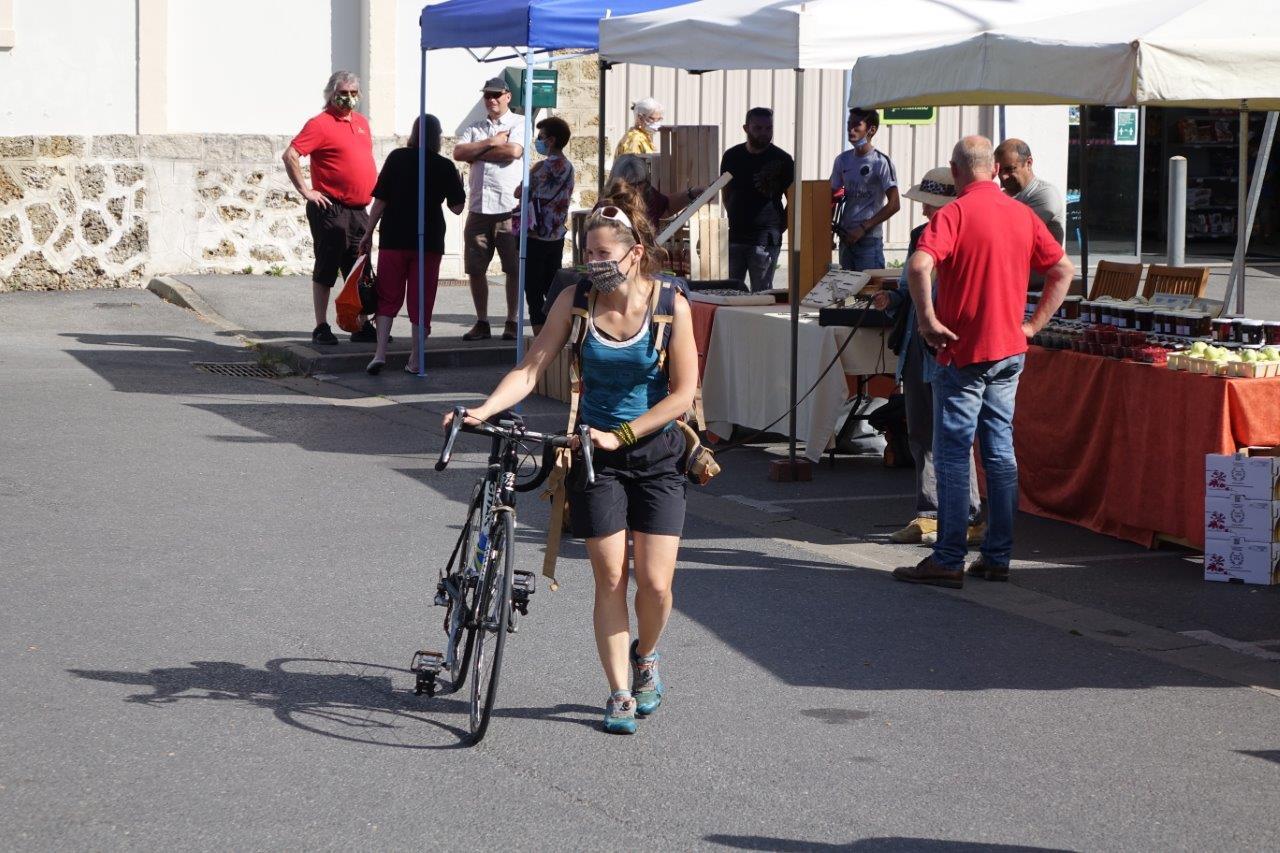 Au nouveau marché de Condé, on y vient à bicyclette...