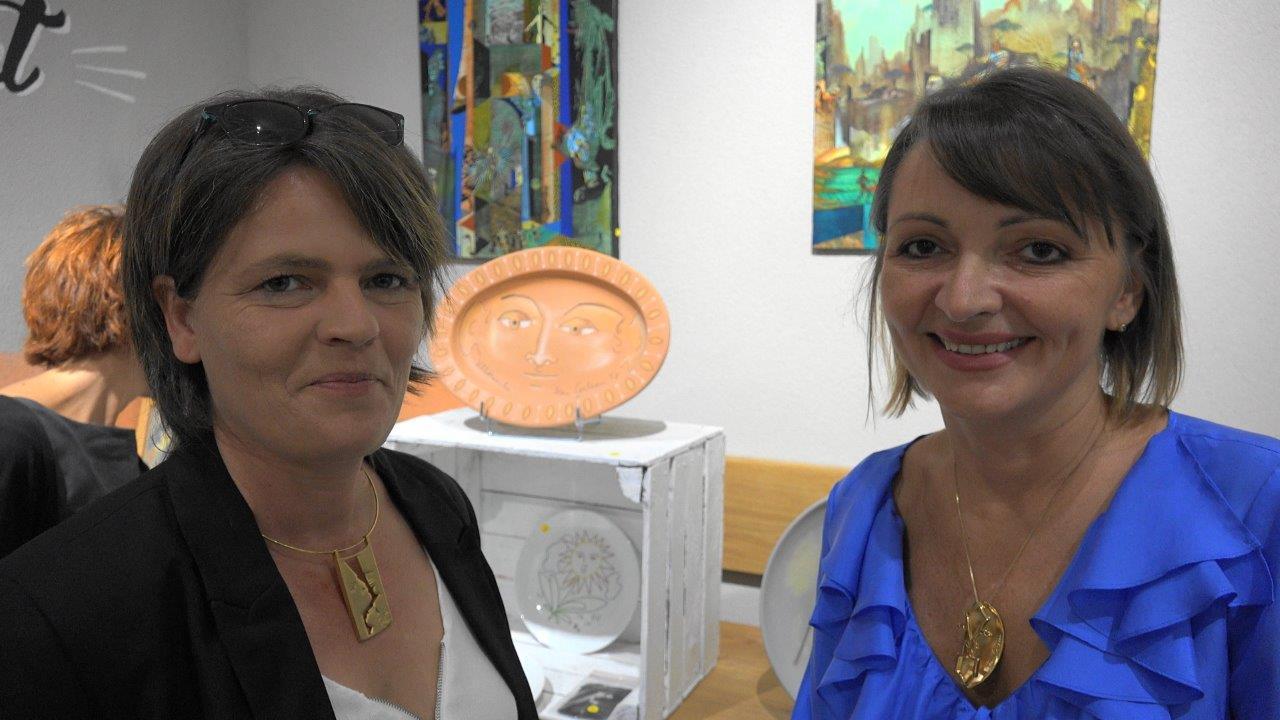 De gauche à droite : Christine de chez Chris'Broc et Anna Météyer.