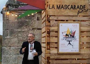 À Nogent L'Artaud, lancement du festival de théâtre La Mascarade dédié à la jeune création, soutenu par le Conseil régional.