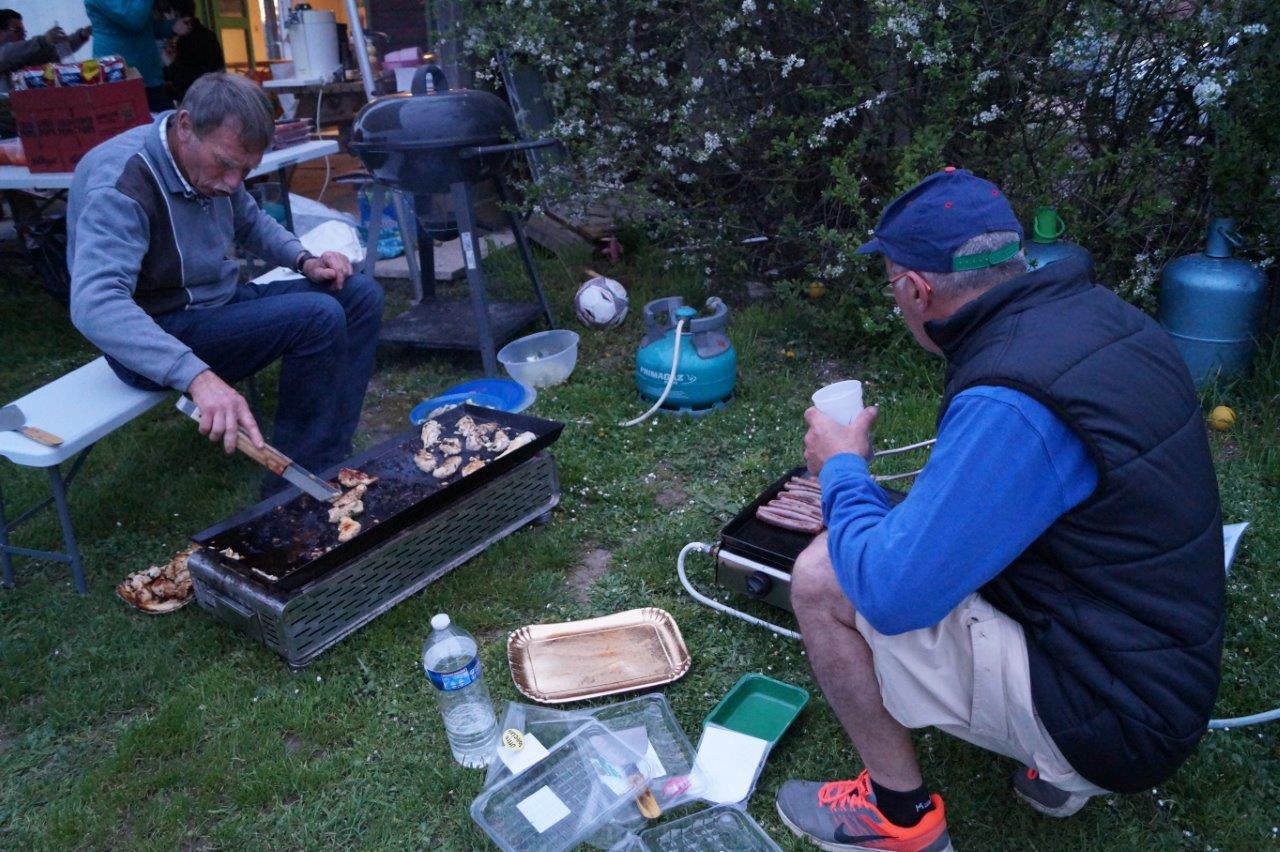 Qui dit camping, dit...