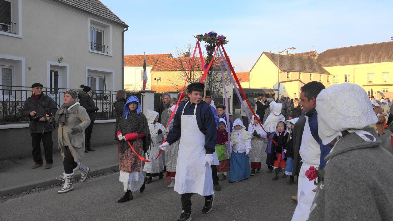 Un défilé où le folklore champenois est toujours apprécié par le public.