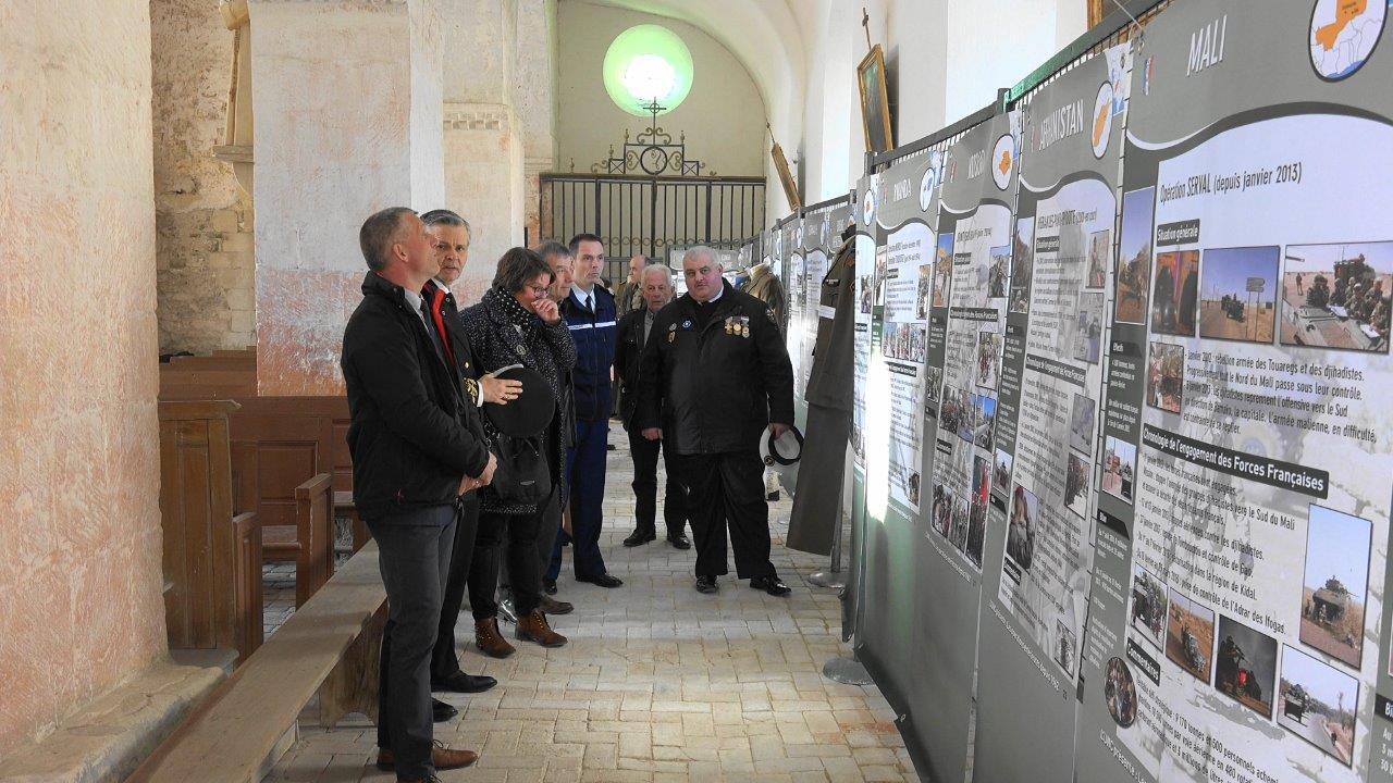 L'Union Nationale des Combattants présente une exposition sur les opérations extérieures en l'église.