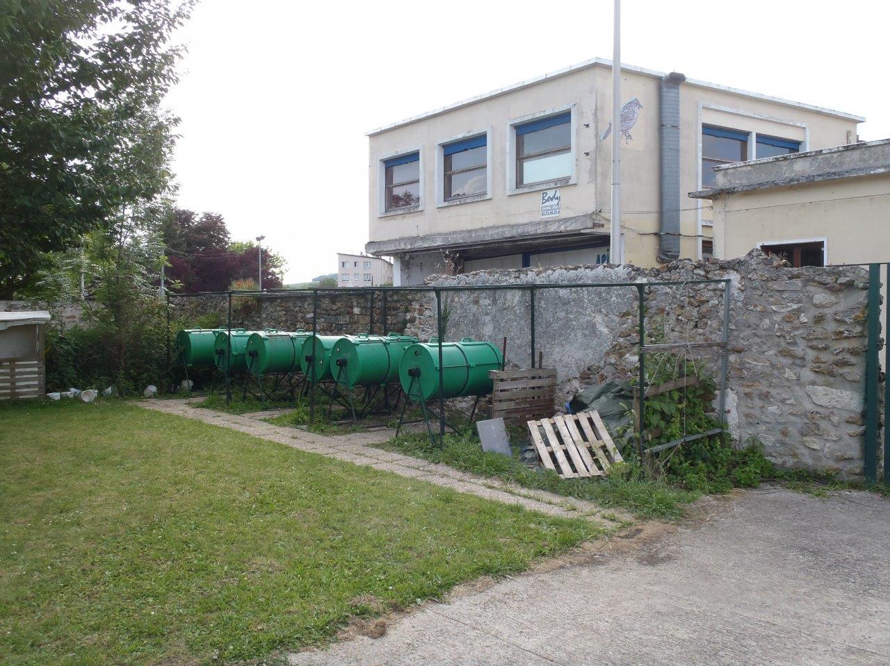Les composteurs rotatifs contribuent pour une grande part à la réduction des déchets de cantine.