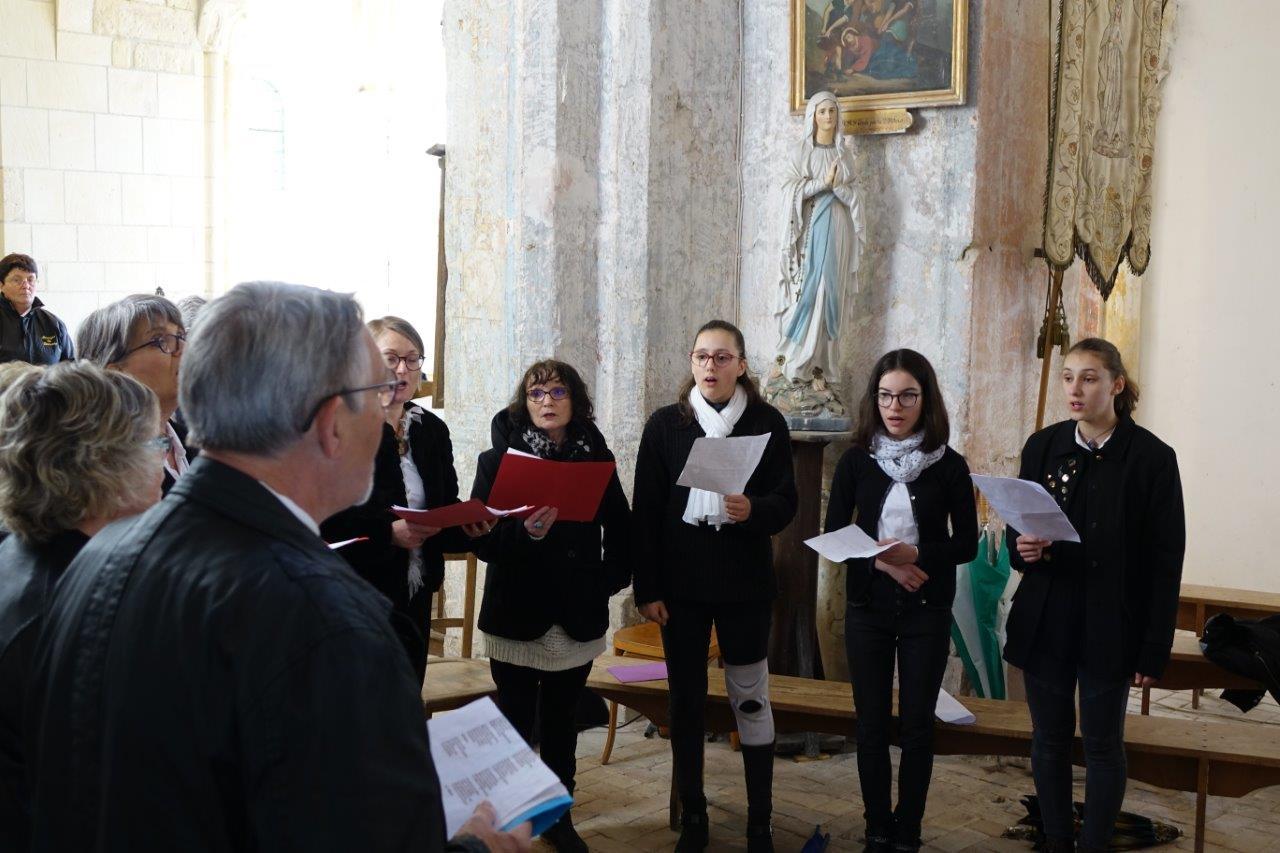 Les prestations de la Chorale d'un jour de Vallées-en-Champagne...