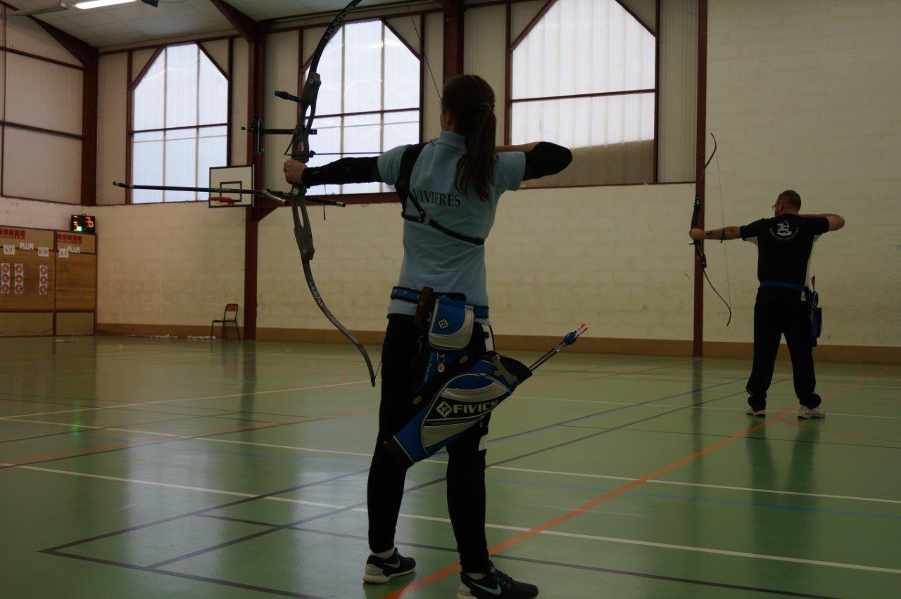 La gente féminine est nombreuse parmi les archers.