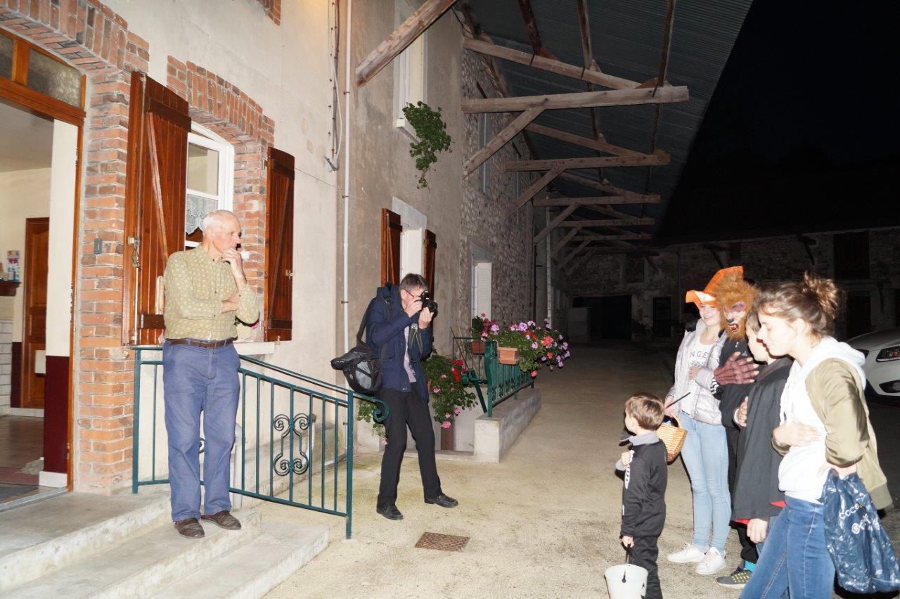 C'est une tradition. A la ferme de La Verdure, les enfants entonnent la Marseillaise...