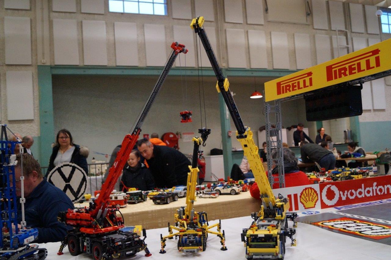 """La gamme Lego® Technic avec ses grues, camions, tracteurs, où tout """"marche"""", est impressionnante."""