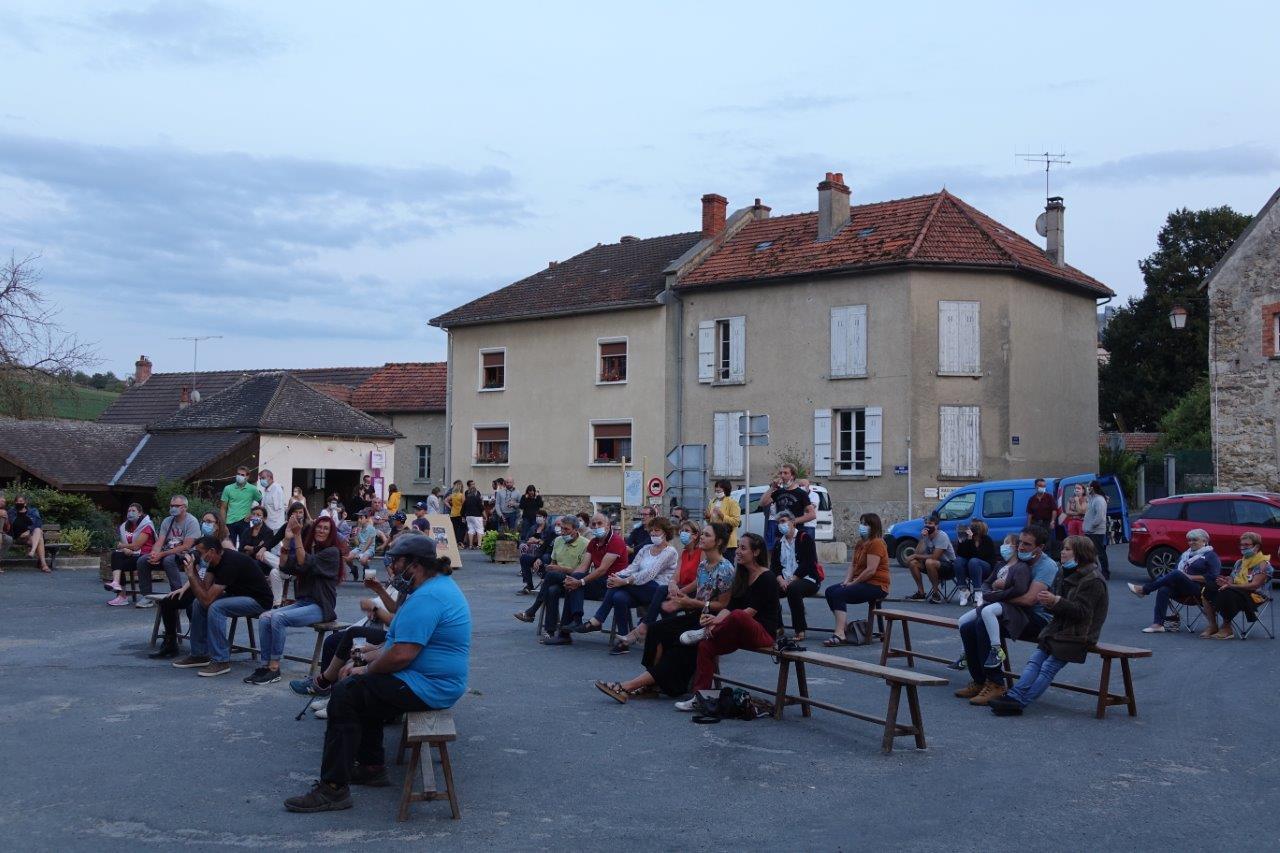 Près de 35 habitants ont assisté au concert.