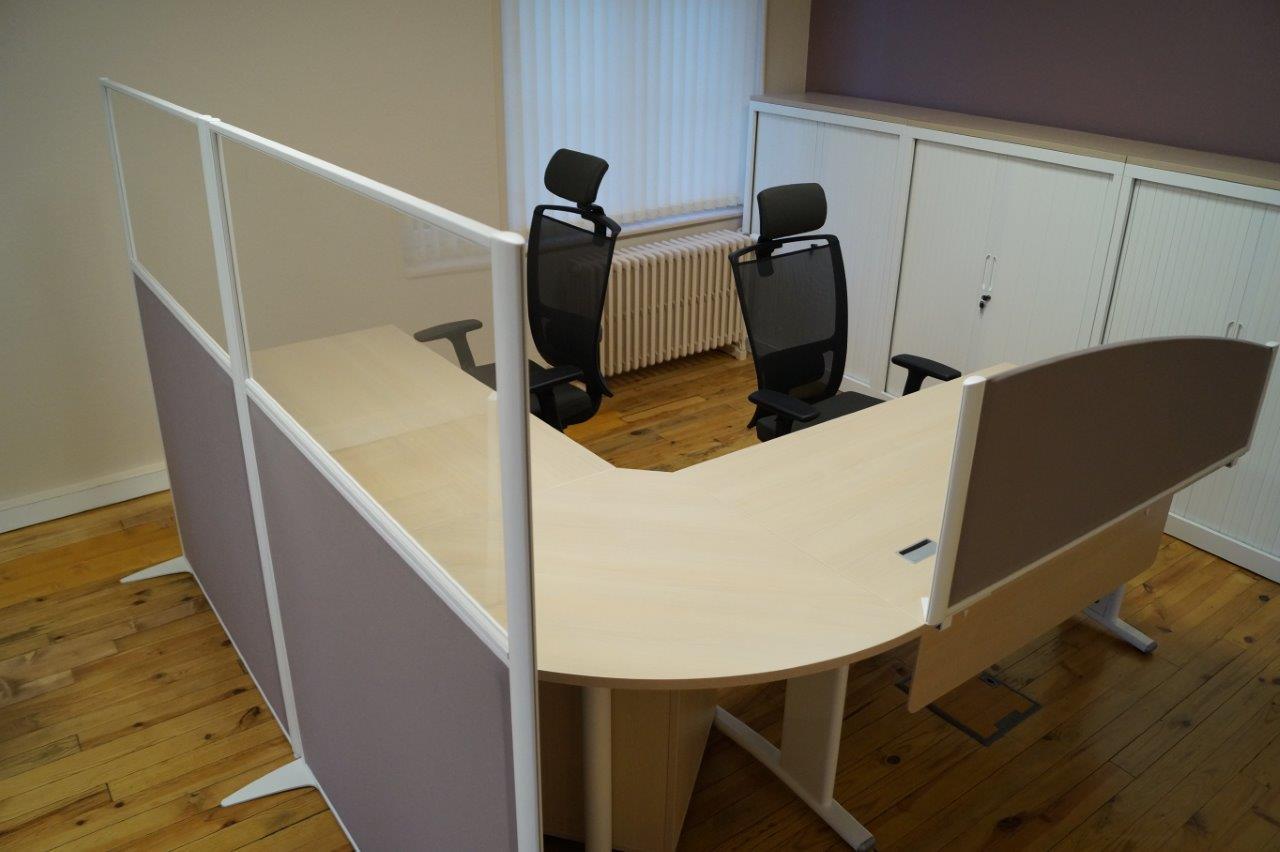 Un séparateur de bureau contribuera à créer un cadre de travail calme et agréable.