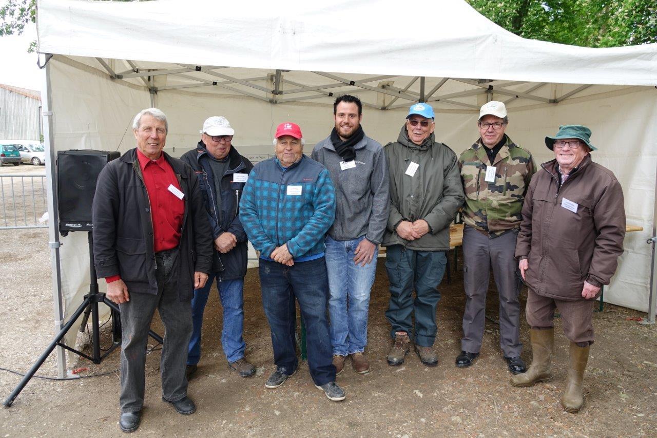Les bénévoles de La Vandoise affichent leur satisfaction à l'issue d'une belle journée de pêche.