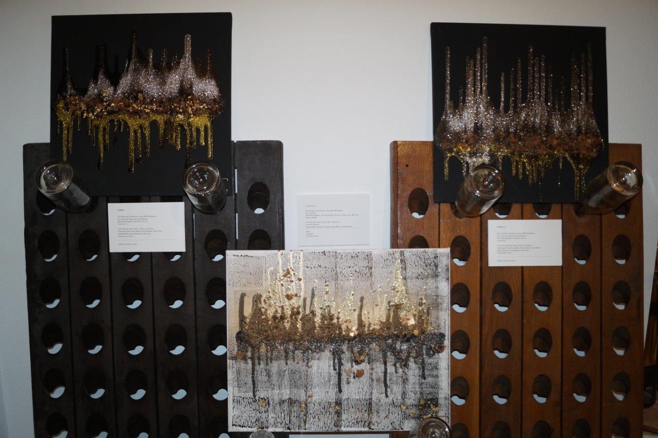 L'artiste Caroline Brun expose 22 œuvres qui évoquent les trois cépages champenois...