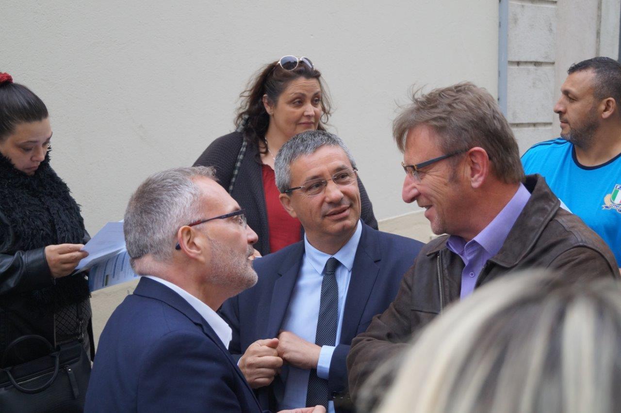 De gauche à droite : Dominique Moyse, Nicolas Fricoteaux, et Eric Mangin, maire de Crézancy, et 1er vice-président de la CARCT.