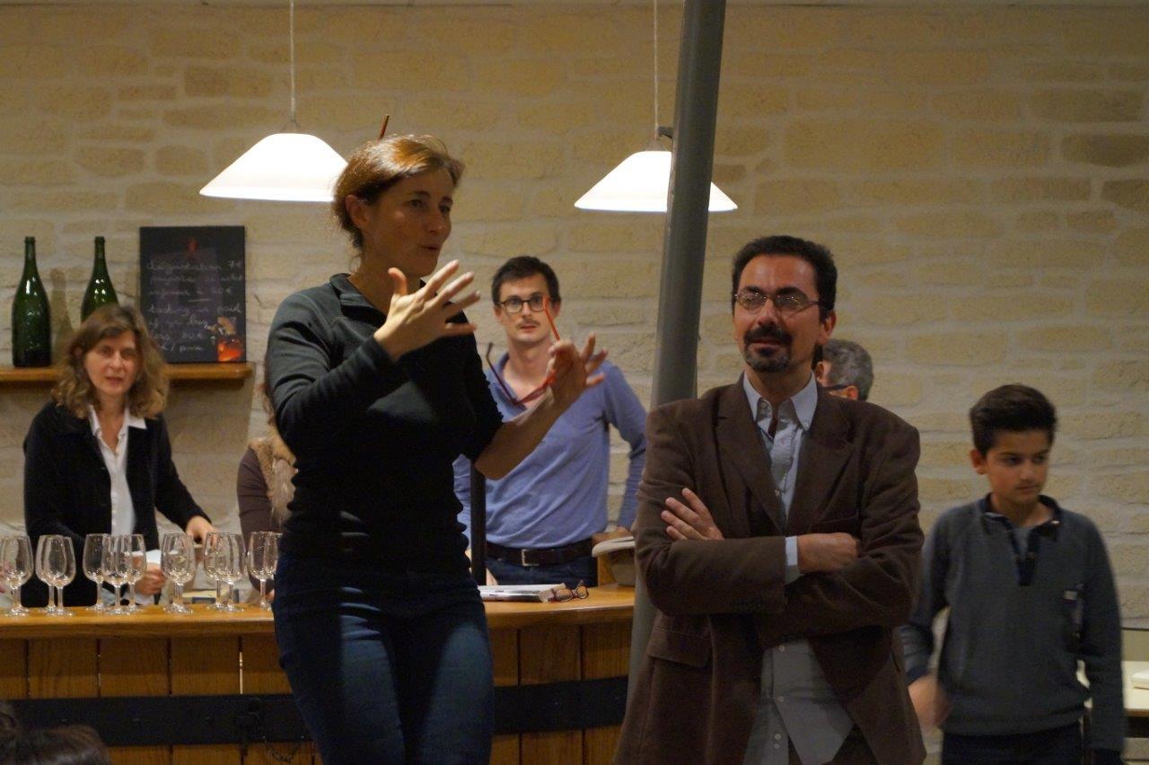 Catherine Tambrun présente l'oenologue champenois Sébastien Higonet.